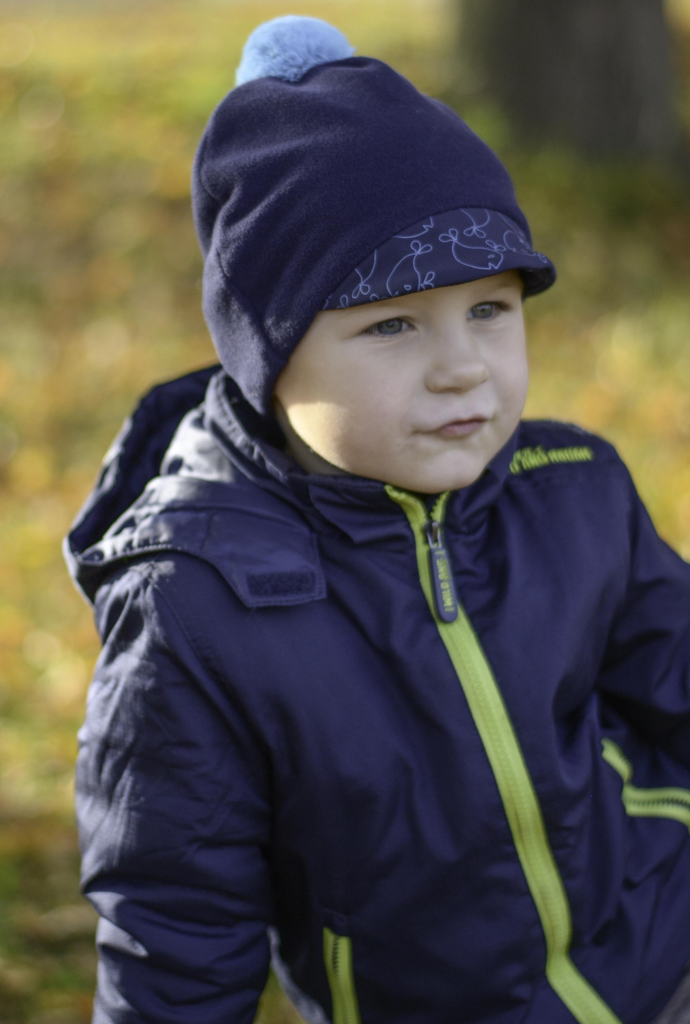 5933965cf1d Dětská čepice s kšiltem (tmavěmodrá - tmavěmodrá) - Oblečení Adry